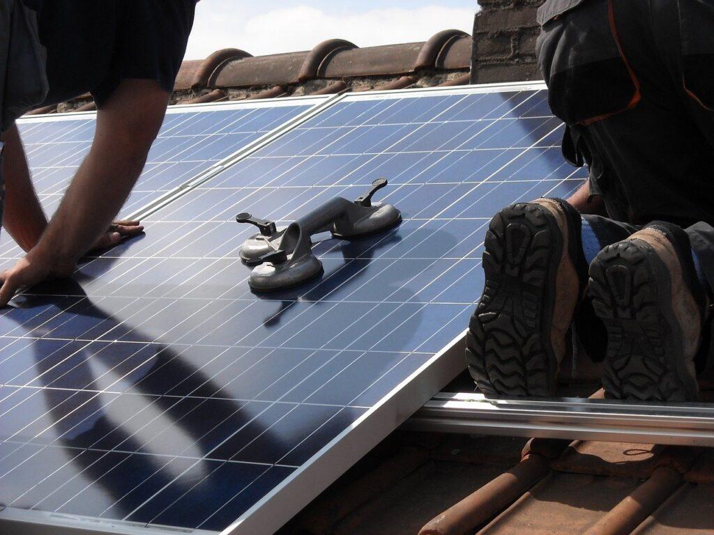 napelemes rendszerek kiépítése